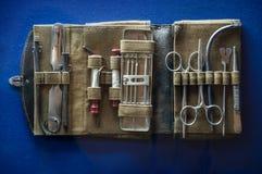 Oud medisch instrument voor het geval dat Stock Afbeeldingen