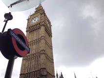 oud met nieuw De Big Ben Londen ondergronds Royalty-vrije Stock Afbeelding