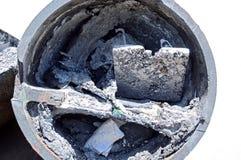 Oud metaal gegoten proces voor het standbeeld van Boedha royalty-vrije stock foto