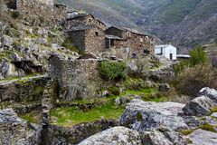Oud middeleeuws dorp Drave in Portugal, Arouca, Aveiro stock foto's
