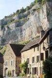 Oud middeleeuws dorp van Baume les Messieurs in Frankrijk stock fotografie