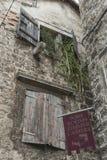 Oud middeleeuws huis in Trogir, Unesco-stad, Kroatië Stock Afbeelding
