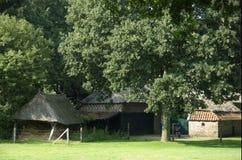 Oud Nederlands landbouwbedrijfhuis Stock Afbeeldingen