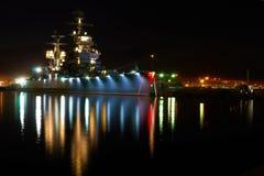 Oud oorlogsschip bij nacht Stock Foto