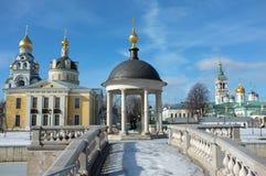 Oud orthodox kerkenensemble in Moskou Stock Foto's