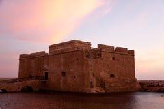 Oud Overzees Kasteel bij stad Paphos in Cyprus, Sunse Royalty-vrije Stock Foto