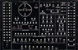 Oud paneel op een elektronikahardware Stock Foto's