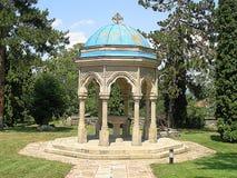Oud paviljoen in het klooster stock afbeelding