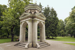 Oud paviljoen in het Park Kronvalda Riga, Letland Royalty-vrije Stock Afbeelding