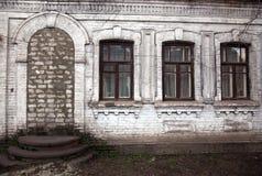 Oud plattelandshuisje stock fotografie