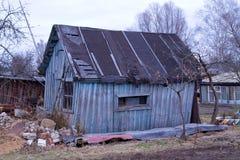 Oud rachitisch huis Stock Afbeeldingen