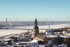 Oud Riga in de winter van hierboven Stock Foto's