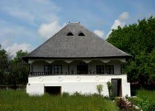Oud Roemeens dorpshuis Stock Afbeelding