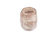 Oud roestig en stoffig spaarvarken voor geïsoleerde muntstukken op witte backg royalty-vrije stock foto