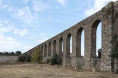 Oud Roman aquaduct in Evora. Stock Image