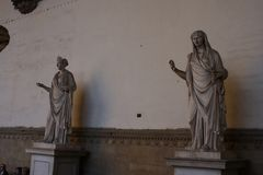 Oud Roman beeldhouwwerk van Vestal Virgin bij Loggiadei Lanzi, Florence, Italië stock afbeeldingen