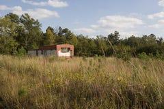 Oud rood sta-caravan Stock Foto