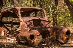 Oud Rusty Car in Australisch Bush Royalty-vrije Stock Afbeelding