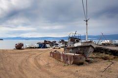 Oud schip op de dokken Stock Foto's