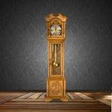 Oud Staand horloge Royalty-vrije Stock Afbeeldingen