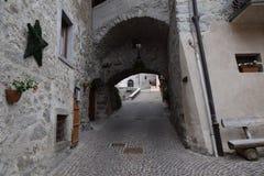 Oud stadsdorp Rango Trentino, selectie één van het mooiste dorp in Italië Royalty-vrije Stock Afbeelding