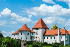 Oud Stadskasteel in Varazdin Kroatië royalty-vrije stock foto