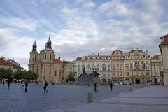 Oud stadsvierkant in Praag Stock Foto