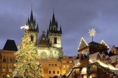 Oud Stadsvierkant in Praag op Kerstmis Stock Afbeelding