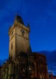 Oud Stadsvierkant in Praag, Tsjechische Republiek in de nacht stock foto