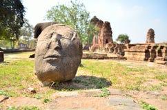 Oud standbeeld. Stock Afbeeldingen