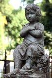 Oud standbeeld op graf in de Lychakivskyj-begraafplaats van Lviv, de Oekraïne Royalty-vrije Stock Afbeelding