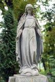 Oud standbeeld op graf in de Lychakivskyj-begraafplaats van Lviv, Ukrain Royalty-vrije Stock Foto's