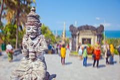 Oud standbeeld van de mythologie van Bali stock afbeeldingen