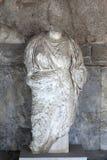 Oud standbeeld van vrouw Stock Afbeelding