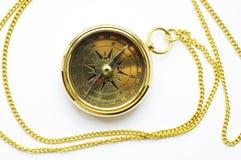 Oud stijl gouden kompas met ketting royalty-vrije stock foto's