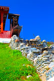 Oud stijlhuis met watermolen Stock Foto