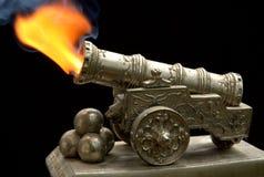 Oud stuk speelgoed kanon Stock Afbeeldingen