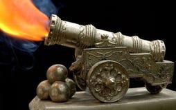 Oud stuk speelgoed kanon Royalty-vrije Stock Fotografie