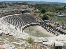 Oud theater in Miletus stock afbeeldingen