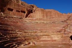 Oud theater in Petra Rose City, Jordanië Petra is één van de nieuwe Zeven Wereldwonders stock afbeeldingen