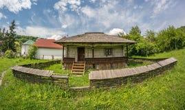 Oud traditioneel Roemeens huis Stock Fotografie