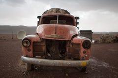 Oud uitstekend en geroest Chevrolet-wrak, Marokko Royalty-vrije Stock Foto