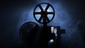 Oud uitstekend filmprojectoreind van de film Zachte nadruk stock videobeelden