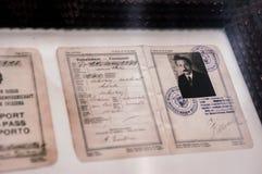 Oud uitstekend paspoort van Albert Einstein in Bern, Zwitserland royalty-vrije stock foto's