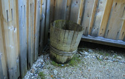 Oud vat voor water royalty-vrije stock foto