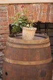 Oud vat voor wijn stock afbeelding