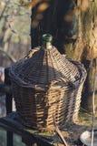 Oud vat voor wijn stock afbeeldingen