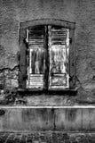 Oud venster b&w Stock Afbeeldingen