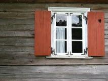 Oud venster met blinden Stock Foto's