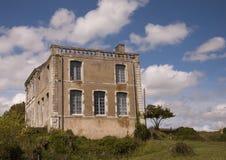 Oud verlaten Frans huis Stock Foto's